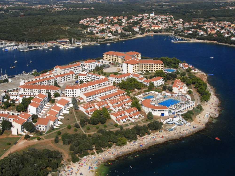 Chorwacja wczasy dojazd samolotem hotel